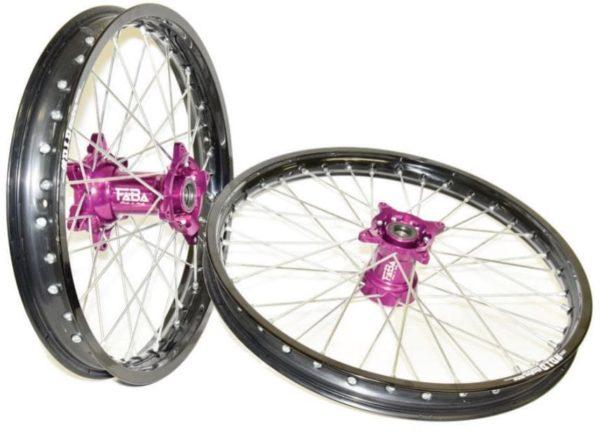 set de roues personnalisé cercle did dirt star noir et moyeux faba violet